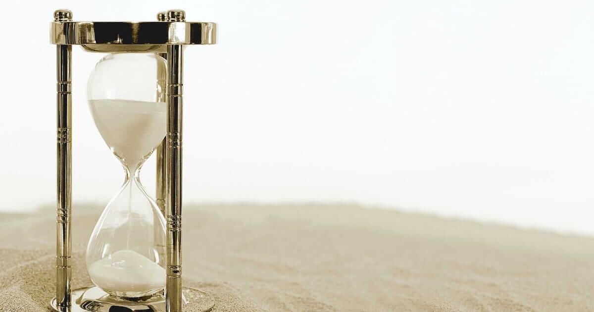 砂時計が落ちる画像